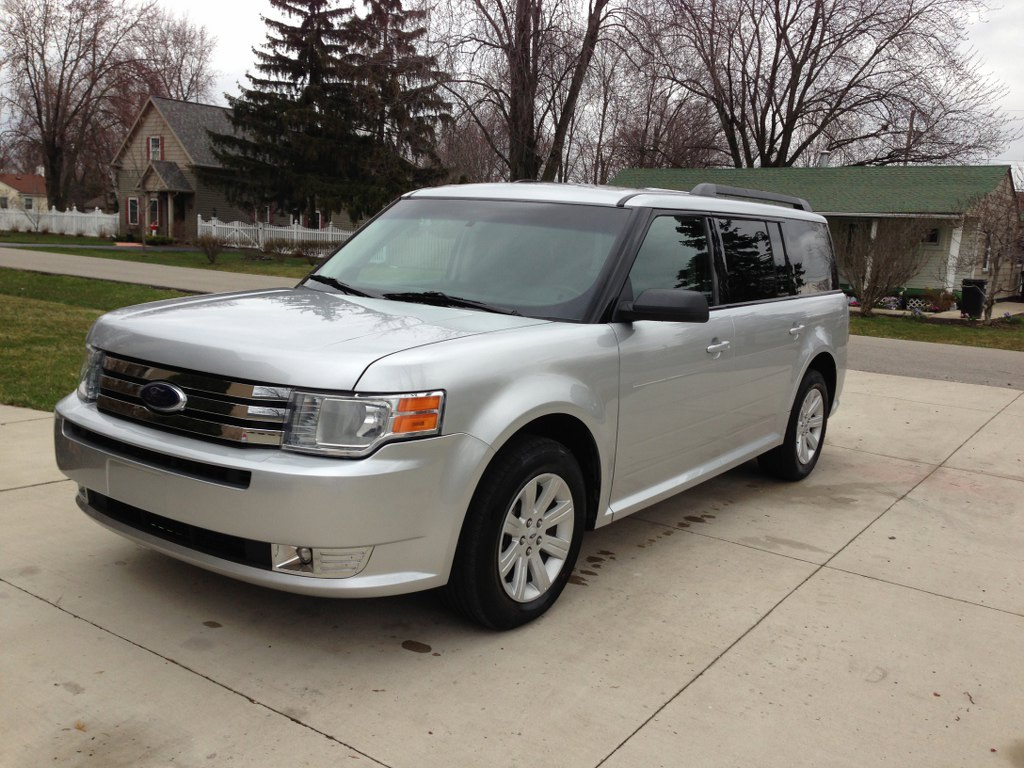 2011 ford flex sel buds auto used cars for sale in michigan buds auto used cars for sale. Black Bedroom Furniture Sets. Home Design Ideas