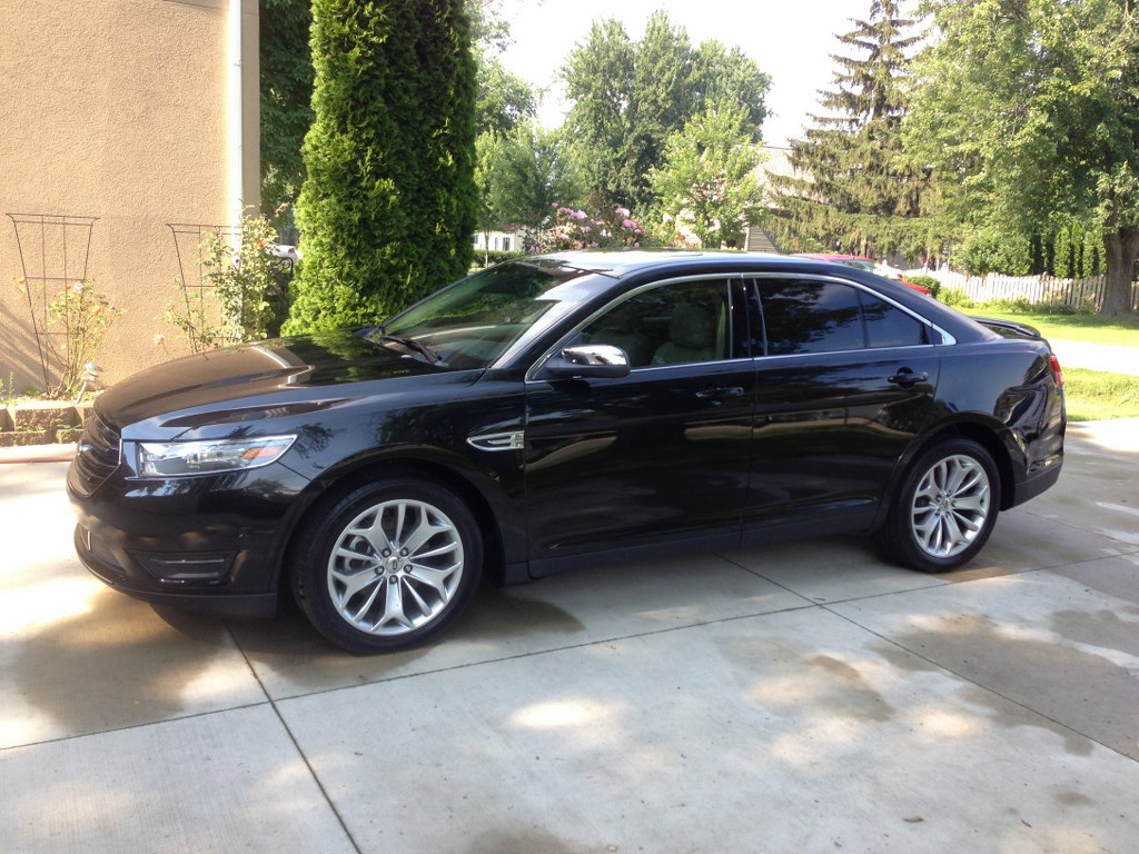 2013 ford taurus limited awd buds auto used cars for sale in michigan buds auto used. Black Bedroom Furniture Sets. Home Design Ideas