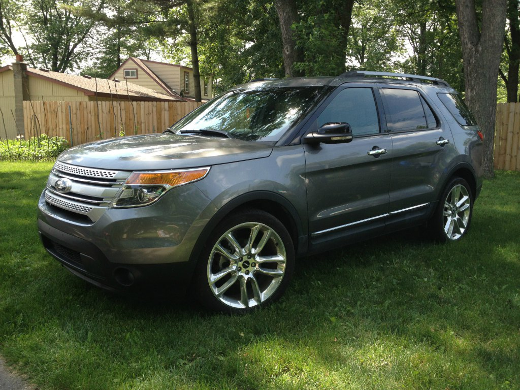 2012 ford explorer xlt buds auto used cars for sale in michigan buds auto used cars for. Black Bedroom Furniture Sets. Home Design Ideas