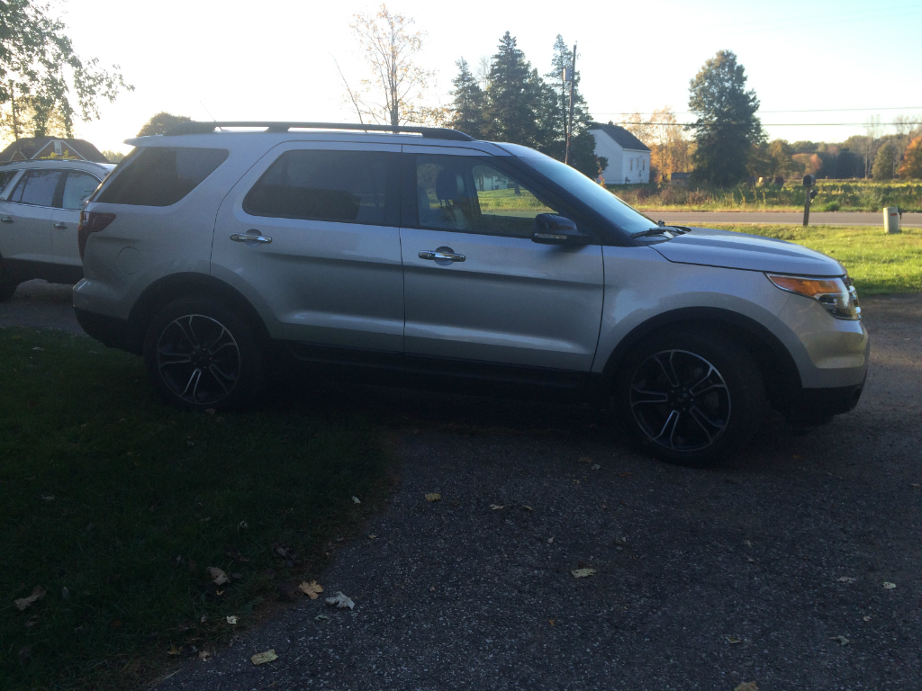2014 ford explorer sport 3 5l awd ecoboost buds auto used cars for sale in michigan buds. Black Bedroom Furniture Sets. Home Design Ideas