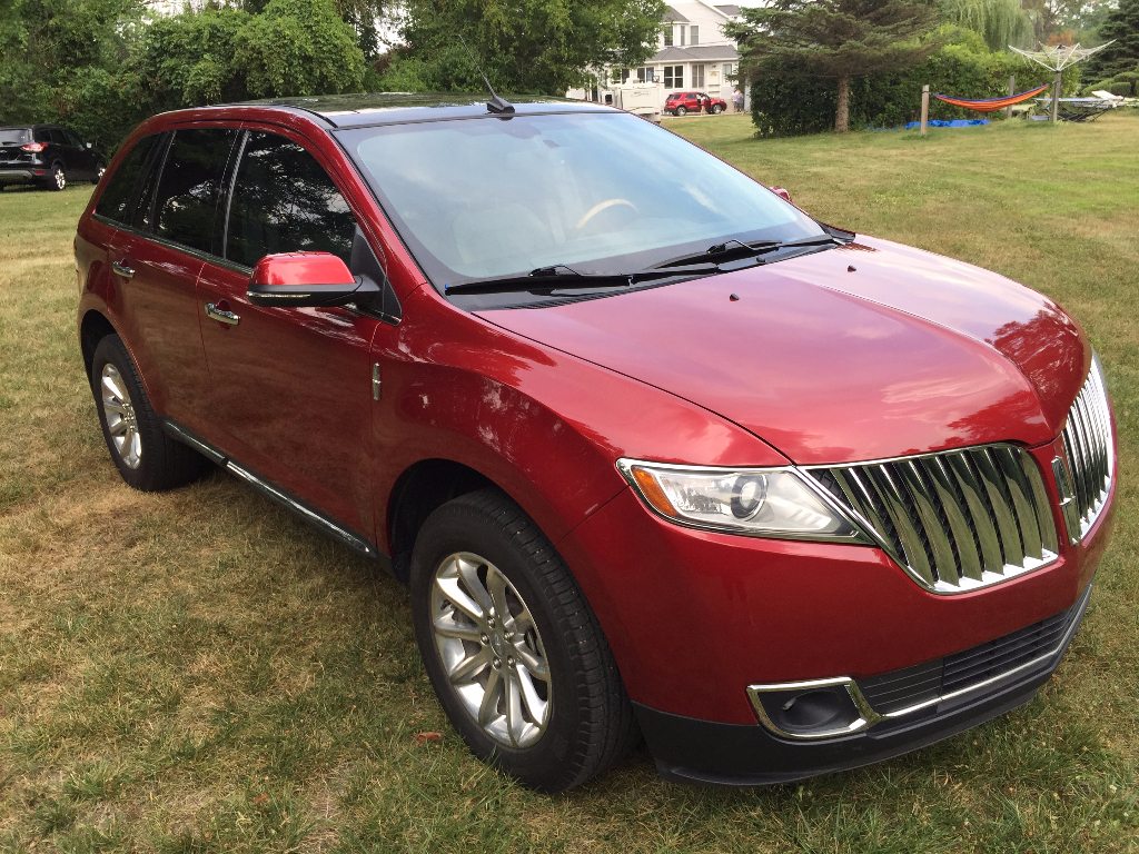wheel photos drive mkx lincoln reviews suv price front base interior features