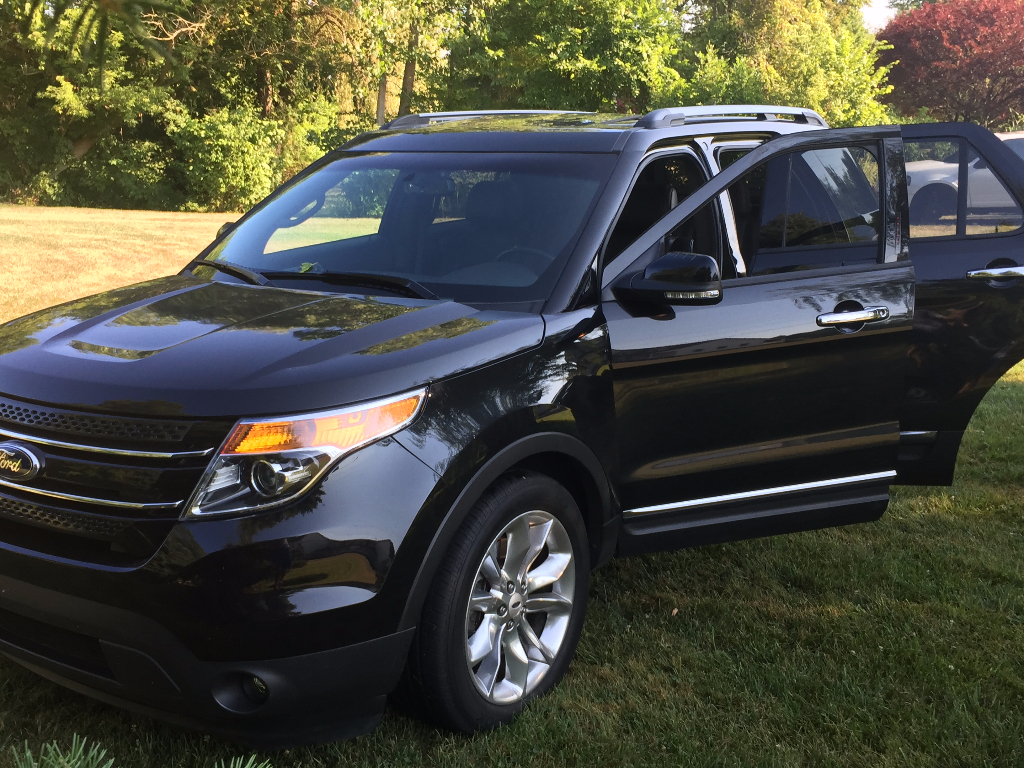 2013 ford explorer xlt buds auto used cars for sale in michigan buds auto used cars for. Black Bedroom Furniture Sets. Home Design Ideas