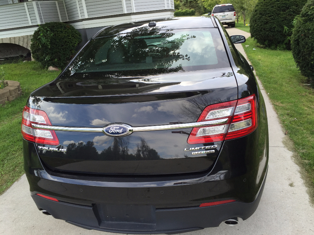 2015 ford taurus limited 313 727 8980 buds auto used cars for sale in michigan buds auto. Black Bedroom Furniture Sets. Home Design Ideas