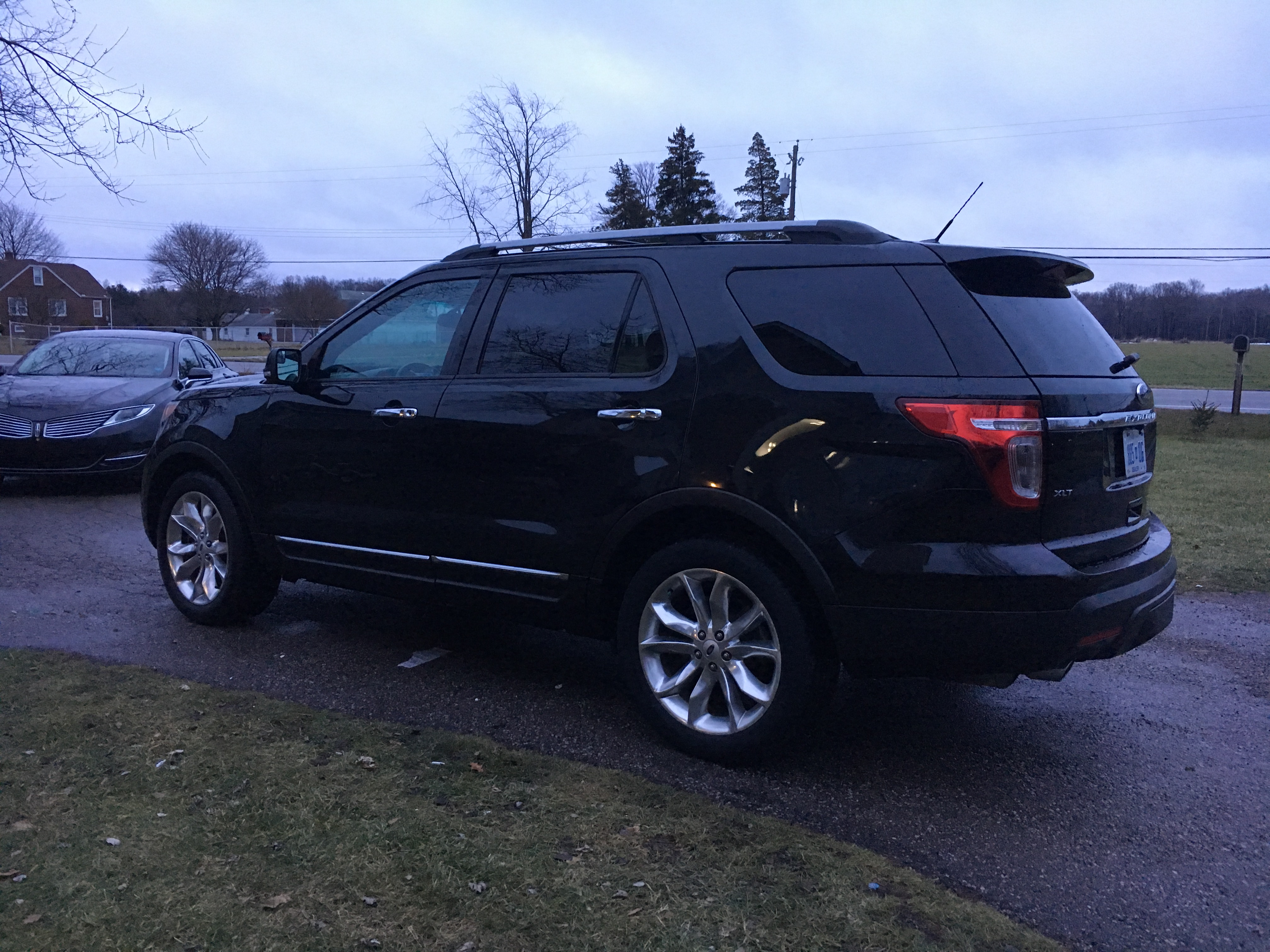 2015 ford explorer xlt awd buds auto used cars for. Black Bedroom Furniture Sets. Home Design Ideas
